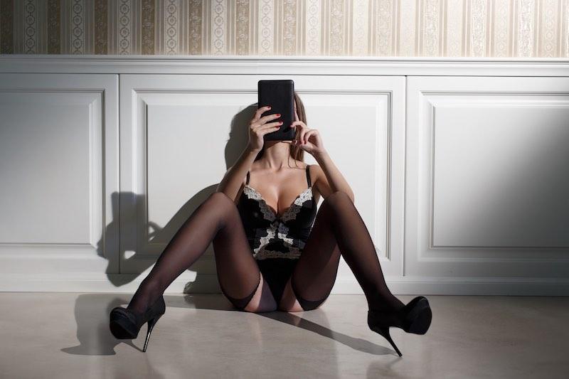 Erotische Geschichten: So heiß sind die Sex Stories auf Poppen.de